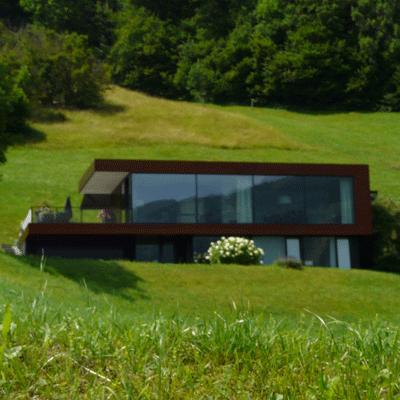 Architektenhaus mit Blick ins Tal